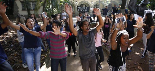 Students in São Paulo occupy a school